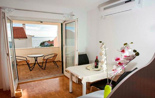 3* Apartments in Podstrana 2