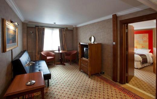 Daresbury Park Hotel and Spa 10