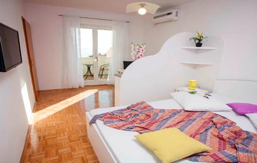 3* Apartments in Podstrana 3
