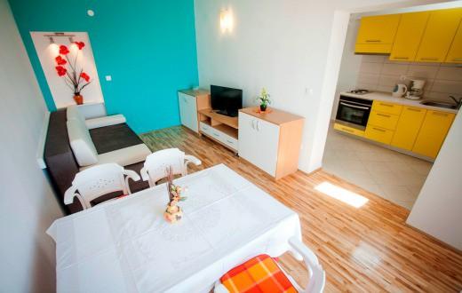 3* Apartments in Podstrana 4