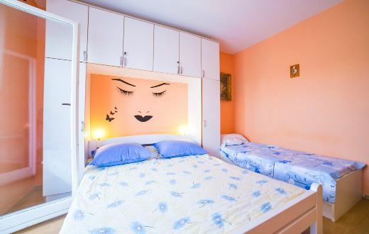 3* Apartments in Podstrana 5