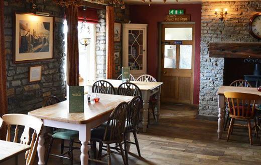 4. holiday inn birmingham bar