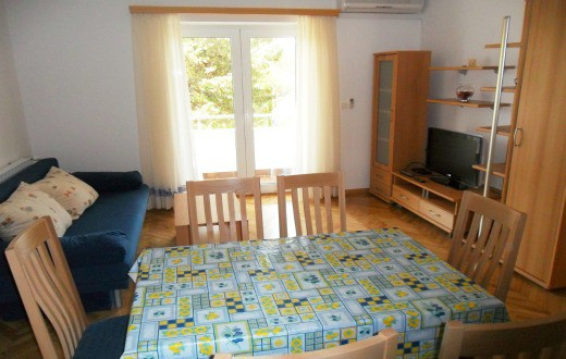 2* Apartment in Novalja 2