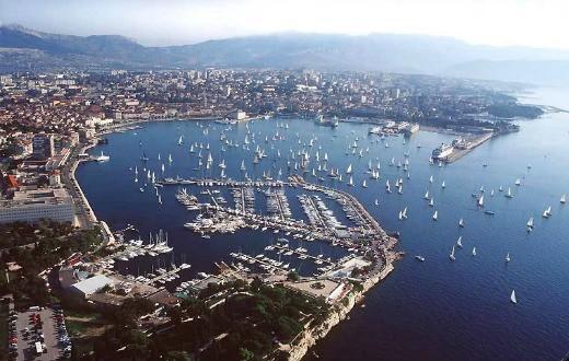 3* Apartments in Split (Zone 1) 1