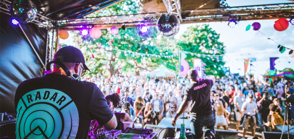 """Eastern Electrics' Owner Rob Star: """"Every year it properly goes off!"""""""