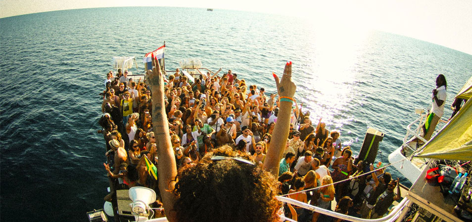 Outlook maakt programma boatparty's bekend