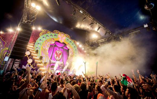 Tomorrowland 2015 thumb 1