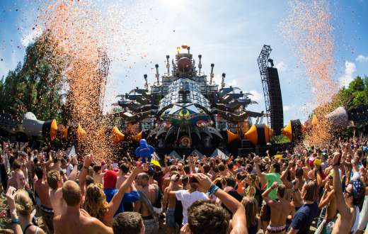 Tomorrowland 2015 thumb 6